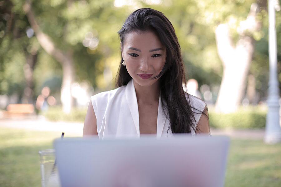 Top 10 Ways to Optimize Your LinkedIn Profile